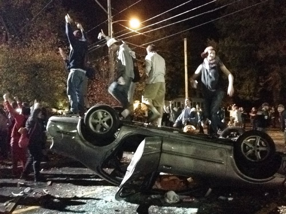 la-na-nn-new-hampshire-pumpkin-riots-20141019